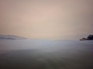 Sosiego en la costa al atardecer