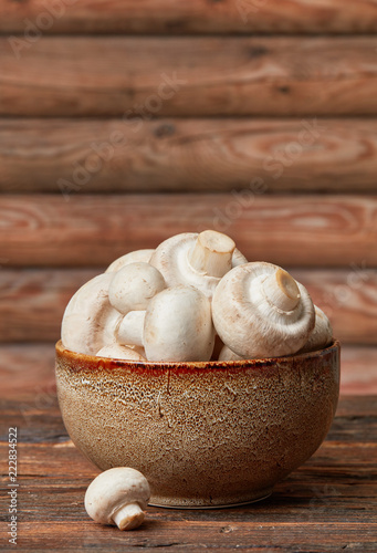 Miska świeżych grzybów