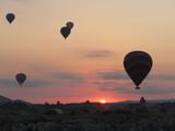 Mongolfiere all'alba in Cappadocia - 222863399
