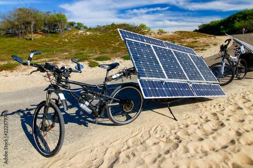 Foto Murales Vélo solaire à panneau solaire