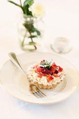 Pranzo Romantico con Cheesecake alla Fragola e posata d'argeno