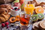 Petit_Dejeuner_gourmand - 222980347