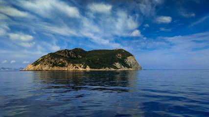 Veduta panoramica della selvaggia isola di Zannone in Lazio