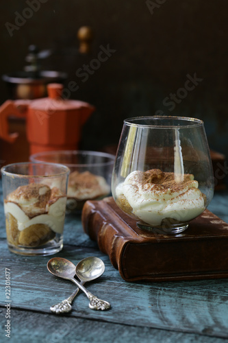 Poster Italian dessert tiramisu in glasses