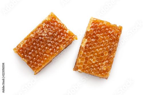 Smakowici słodcy rżnięci honeycombs odizolowywający na bielu