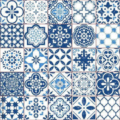wektor-azulejo-wzor-plytek-portugalski-lub-hiszpanski-retro-mozaiki-starych-plytek-srodziemnomorski-bezszwowe-granatowy-wzor