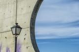 fragmento de construcción con farola y cielo en el parque de Enrique Tierno Galván en Madrid. España - 223414745