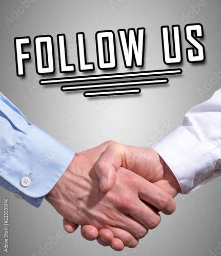 Śledź nas za pomocą uścisku dłoni