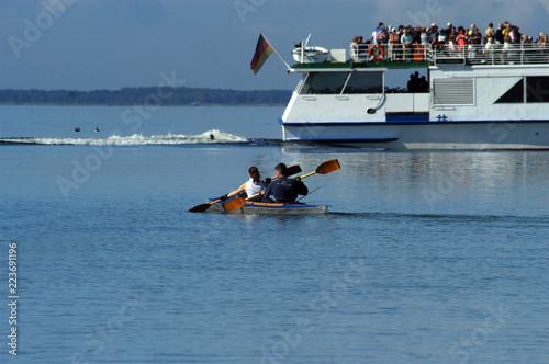 Leinwanddruck Bild Faltboot im Meer