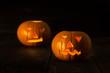 Leinwanddruck Bild - Two scary Halloween pumpkins