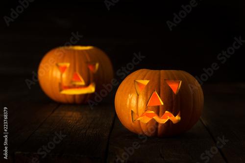 Leinwanddruck Bild Two scary Halloween pumpkins
