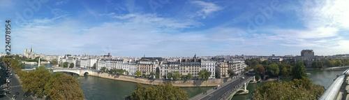 Über den Dächern von Paris - 224078954