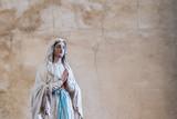 Statue de la vierge Marie - 224118789