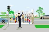 Fußgänger am Fußgängerüberweg mit Polizist
