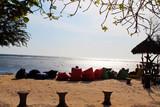 odpoczynek na plaży przy zachodzie słońca © katherine_gee