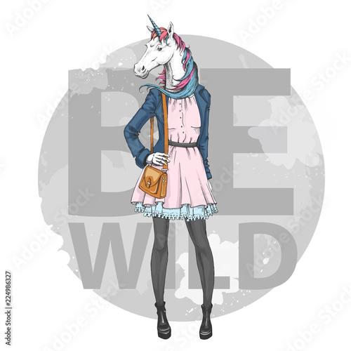 retro-hipster-fashion-fantasy-animal-unicorn-woman-model