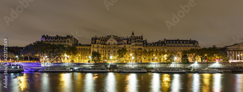 Night panorama of the Paris embankment - 225121569