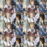 seamless pattern background with many used old dolls on a heap - 225226108