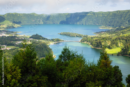 Lagoa Verde and Lagoa Azul, lakes in Sete Cidades volcanic craters on San Miguel island, Azores, Portugal. . © De Visu