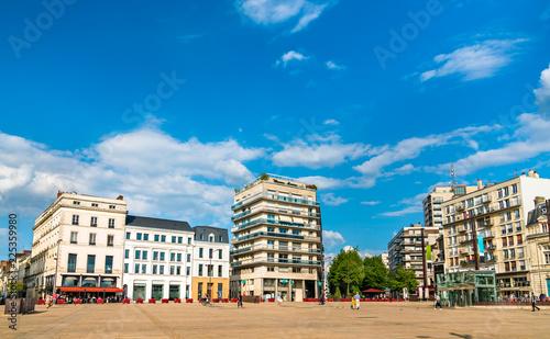 Leinwanddruck Bild Buildings in the city centre of Le Mans, France