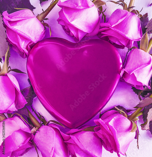 Purple gift box shape heart and fresh roses with leaves on white background - 225364586