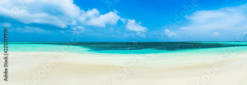 Beautiful landscape of clear turquoise Indian ocean, Maldives islands - 225389909