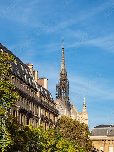 canvas print picture Blick auf die Kapelle Sainte-Chapelle in Paris, Frankreich