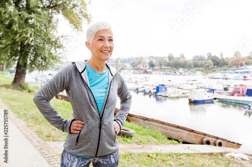 Leinwanddruck Bild Healthy Active Senior Woman Ready For Fitness Exercise