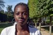 Gros plan du visage d'une jeune fille africaine