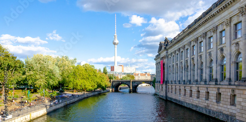 Leinwanddruck Bild berlin skyline with bode museum