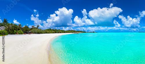 Foto Murales Tropical beach in the Maldives