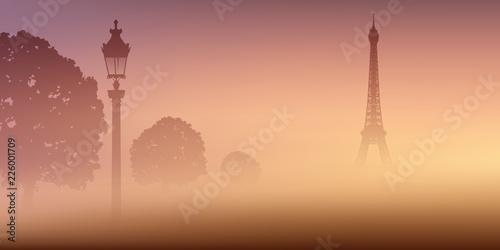 Sticker Vue de Paris avec la Tour Eiffel dans la brume au milieu du Champ de Mars, dans la fraîcheur du matin.