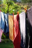 Wäsche wird an der frischen Luft getrocknet