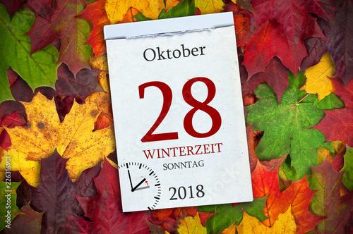 Leinwandbild Motiv Kalender mit Zeitumstellung Winterzeit Oktober 2018