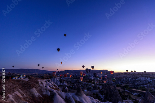 preparation for take-off balloons in the desert at dawn - 226338379