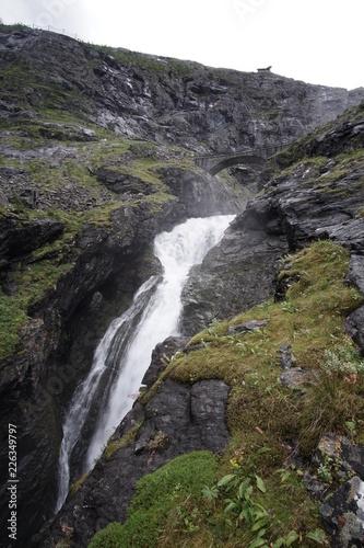 Wasserfall - 226349797