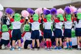 運動会応援している幼稚園の子供達 - 226520351