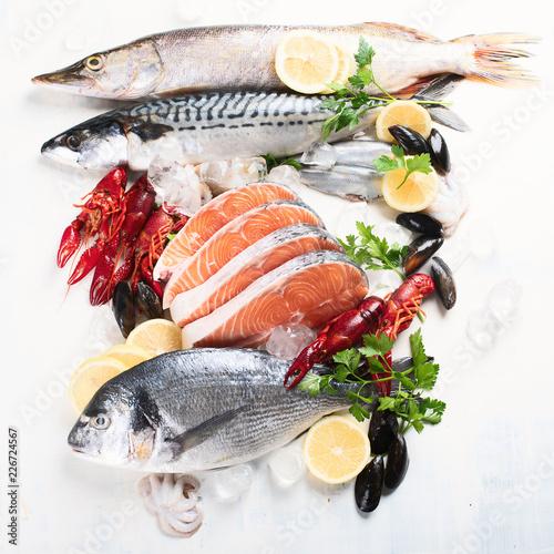 Fresh fish and seafood - 226724567
