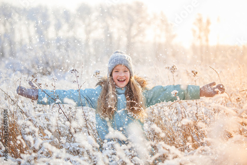 Foto Murales Child at winter