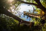 Precioso paisaje laguna en día soleado - 227017586