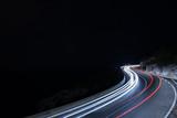 fotografia nocturna en carretera con larga exposicion