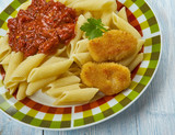 Nuggets with pasta and tomato sauce - 227431957