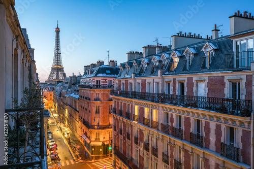 Leinwandbild Motiv Blick auf den Eiffelturm in Paris, Frankreich