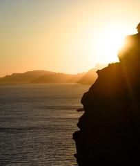 Raies de lumière sur les falaises, la ciotat, sud de france