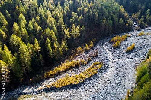 torrente alpino in secca