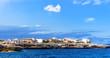 Leinwanddruck Bild - Kueste Felsen Mittelmeer Haus Ferienhaus