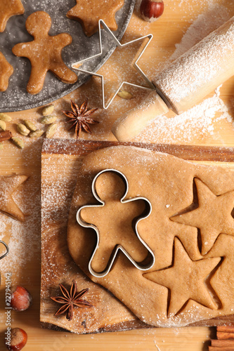 cooking christmas biscuit