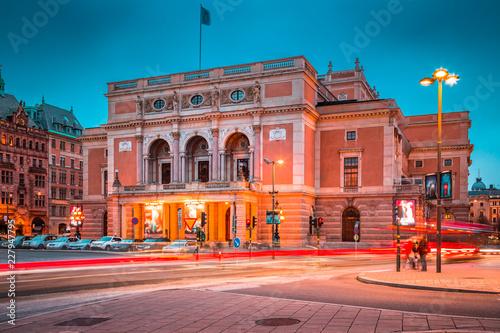 Leinwandbild Motiv Royal Swedish Opera (Kungliga Operan) in Stockholm at twilight, Sweden, Scandinavia