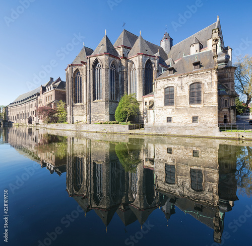 Leinwanddruck Bild Saint Michael's Church, Ghent