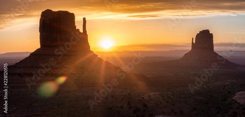 Leinwanddruck Bild Monument valley. Navajo tribal park, USA.